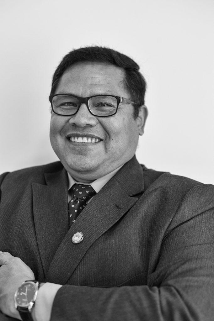 Pedro Franco es un experto en cibersegurida con una especialización en seguridad de la información y seguridad digital, cuenta con una amplia experiencia en la comunidad de la sociedad civil, académica y técnico-pedagógica. Pedro tiene un grado académico en Informática Eduactiva; graduado del ISC-Project ToT 2015-2018 e Internews 2017-2018. Es docente en el área de software libre educativo en prestigiosas instituciones educativas del Ecuador de nivel medio y superior. Especialista en archivística. Ha dirigido importantes proyectos del estado ecuatoriano en la implementación de plataformas de gobierno abierto, datos abiertos y responsabilidad ciudadana.Investigador de gobernanza de Internet y derechos digitales, ha sido miembro de varias instituciones, como el proyecto IPO (Internet Policy Observatory) de la Universidad de Pennsylvania; Ponente internacional sobre temas de libertad de expresión en internet, derechos dogitales y ciberseguridad. Puedes seguirlo en twitter, como: @Petruxec